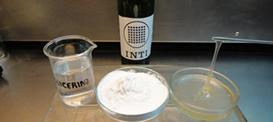 Crean adhesivo a base de mandioca y glicerina