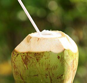 Mercado de água de coco já supera o de bebidas energéticas no país
