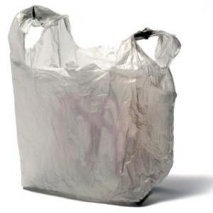 Brasil reduz desperdício de sacolas plásticas em 2012