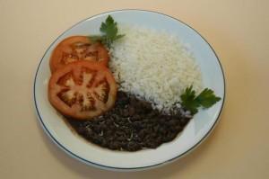 Consumo de alimentos em casa deve movimentar R$ 466 bi em 2013
