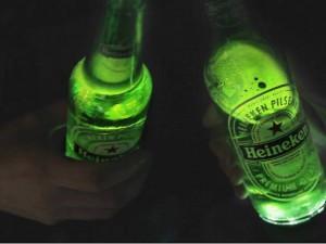 Heineken cria garrafa com LED que interage com o ambiente