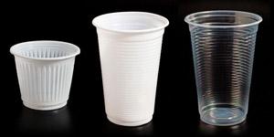 Comércio tem até dezembro para se adequar às novas regras do copo plástico