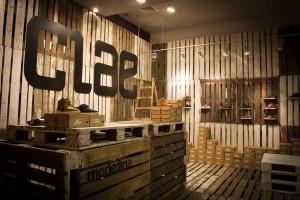 Poloneses decoram loja de sapatos usando apenas paletes