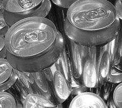 Crescimento da venda de latas no Brasil é expressivo, mas sofre impacto com elevação do preço das bebidas