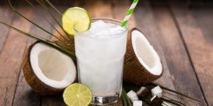 Em meio à preocupação com a saúde, água de coco se torna queridinha dos brasileiros