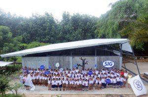 Embalagens reutilizadas dão nova vida a escola na Tailândia